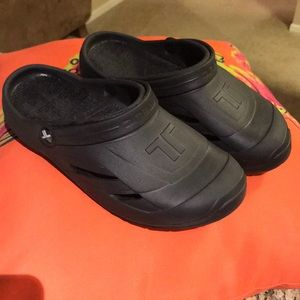 telic Shoes - Telic clogs